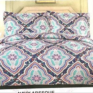 Other - BNWT full/ Queen 3 pieces Quilt set